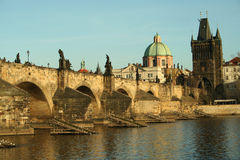 Passerelle de Prague de République Tchèque de l'Europe Photo stock