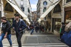 Passerelle de Rialto à Venise Image stock