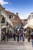 Passerelle de Rialto à Venise Photo libre de droits