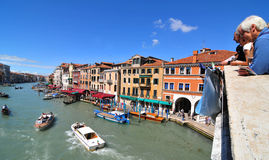 Passerelle de Rialto, Venise Images libres de droits