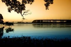 Passerelle de Stockton au crépuscule Photos libres de droits