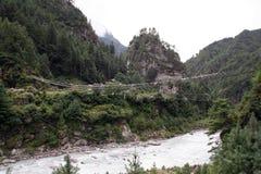 Passerelle de suspension de Jorsale - Népal Photographie stock libre de droits