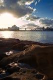 Passerelle de théatre de l'$opéra et de port de Sydney Images stock
