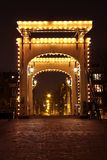 Passerelle de Thiny par nuit en Hollandes d'Amsterdam Images stock