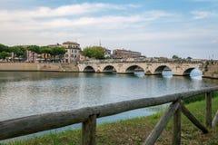 Passerelle de Tiberius à Rimini photographie stock