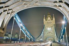 Passerelle de tour à Londres, Angleterre Image stock