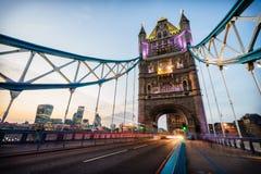 Passerelle de tour à Londres, Angleterre photos stock