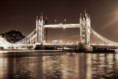 Passerelle de tour, Londres, Angleterre images libres de droits
