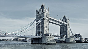 Passerelle de tour à Londres, Royaume-Uni Images libres de droits
