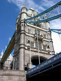 Passerelle de tour par jour - Londres Photo stock