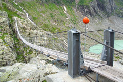 Passerelle de Trift switzerland photos stock