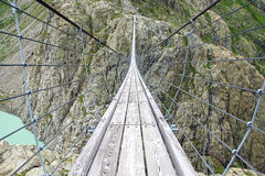 Passerelle de Trift switzerland photographie stock libre de droits