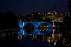 Passerelle de Turin par nuit images libres de droits