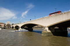 Passerelle de Waterloo, Londres Images libres de droits