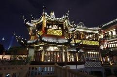Passerelle de zigzag de jardin de Yuyuan, pavillon Photos libres de droits