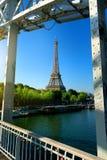Passerelle Debilly à Paris Photo libre de droits