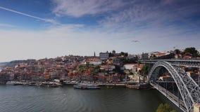 Passerelle des DOM Luis I à Porto, Portugal clips vidéos