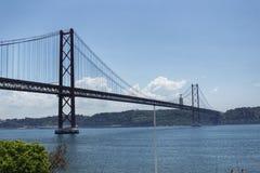 Passerelle du 25 avril à Lisbonne Photo stock