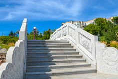 Passerelle en pierre chinoise images libres de droits