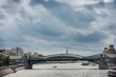 Passerelle en verre à Moscou Photos libres de droits