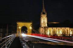 Passerelle et église de Marlow Photographie stock libre de droits