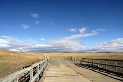 Passerelle et ciel bleu photographie stock