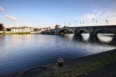 Passerelle et maisons gentilles Namur - de Belgique Photo stock