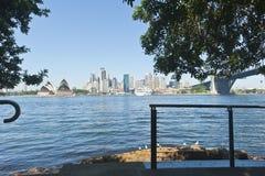 Passerelle et ville Sydney de port Photo stock