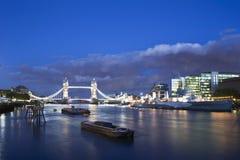 Passerelle Londres de tour Photos libres de droits
