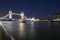 Passerelle Londres de tour Photo stock