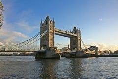 Passerelle Londres de tour Photo libre de droits