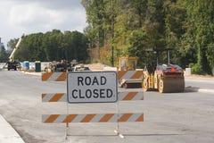 Passerelle neuve fermée de route Photographie stock
