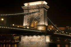 Passerelle par nuit Photographie stock libre de droits