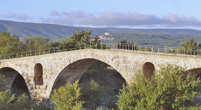 Passerelle romaine en Provence, France Photos stock