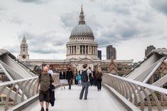 Passerelle Saint Paul Londres de millénaire Images libres de droits
