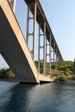 Passerelle sur l'île Krk en Croatie Images libres de droits