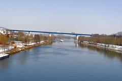 Passerelle sur le fleuve la Moselle Images libres de droits