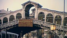 Passerelle Venise de Rialto banque de vidéos