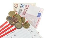 Passez les feuilles avec la devise européenne Photos libres de droits
