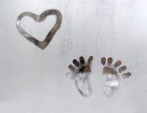 Passi congelati del cuore dell'illustrazione della finestra Immagine Stock Libera da Diritti