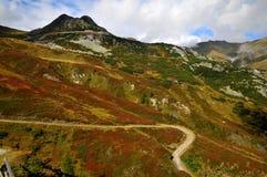 Passi indietro in montagne del Tirol Fotografia Stock Libera da Diritti