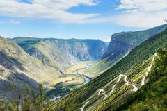 Passi Katu-Yaryk e la valle del fiume di Chulyshman Repubblica di Altai La Russia Immagine Stock