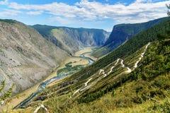 Passi Katu-Yaryk e la valle del fiume di Chulyshman Repubblica di Altai La Russia Fotografia Stock