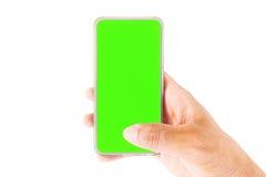 Passi la tenuta dello Smartphone con lo schermo in bianco isolato su fondo bianco Immagini Stock Libere da Diritti
