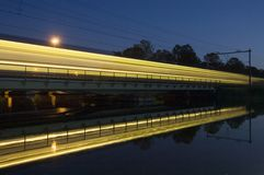 passing reflection train Στοκ φωτογραφίες με δικαίωμα ελεύθερης χρήσης