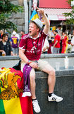 Passionés du football prêts à aller assortir Photographie stock