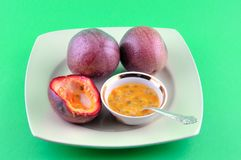 Passion fruit is ripe Royalty Free Stock Photography