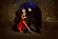 Passion i varje dansrörelse arkivbilder