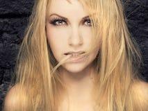 Passionerad blondin Arkivfoto