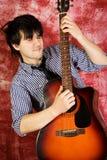 passionerad gitarrist Royaltyfri Fotografi